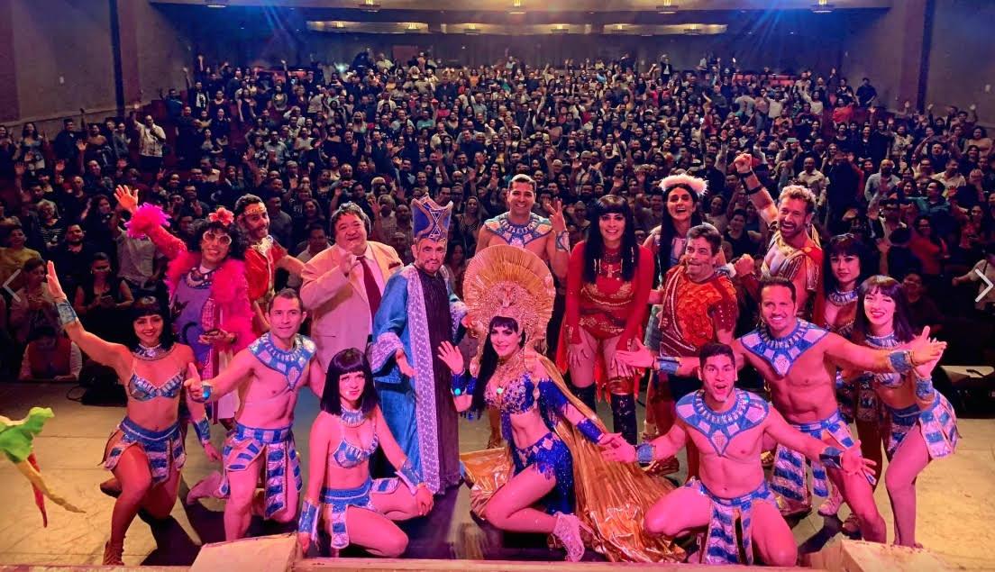 Llevan teatro en español a comunidades migrantes de California