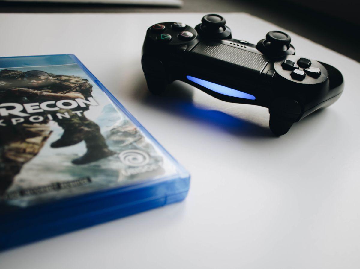 Las consolas y videojuegos más vendidos en Amazon para jóvenes y adultos