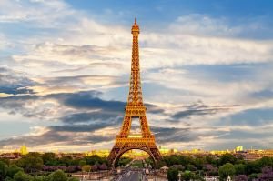 La insólita multa impuesta a la alcaldía de París por contratar demasiadas mujeres