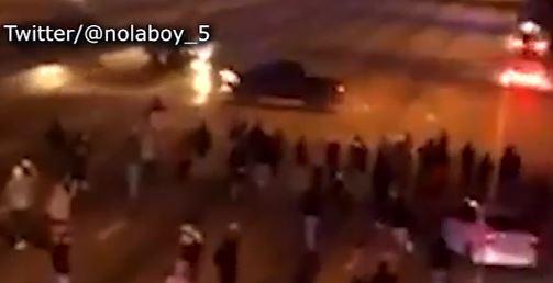 Impactante video: Detuvieron el tráfico para hacer piruetas en autos sobre carretera de Houston
