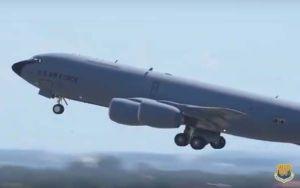 Reportan presencia de pistolero en base aérea de Tampa, Florida