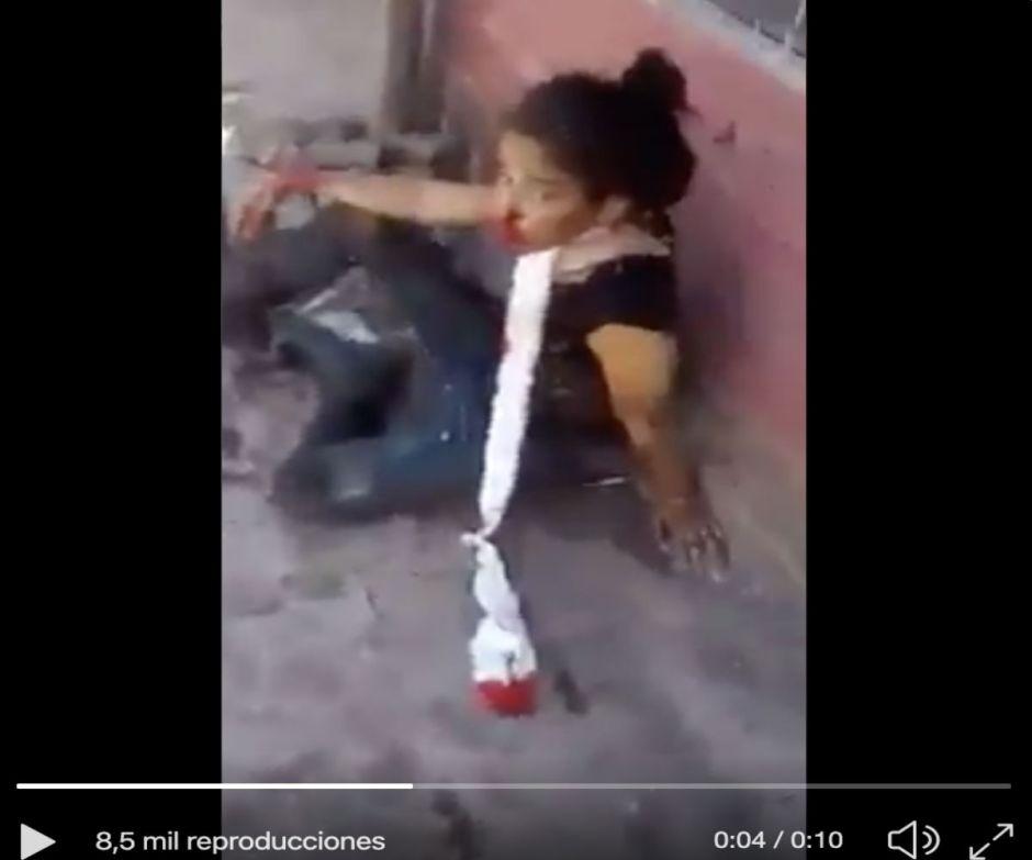 VIDEO: Los últimos momentos de la Catrina del CJNG, tenía una herida de bala en el cuello