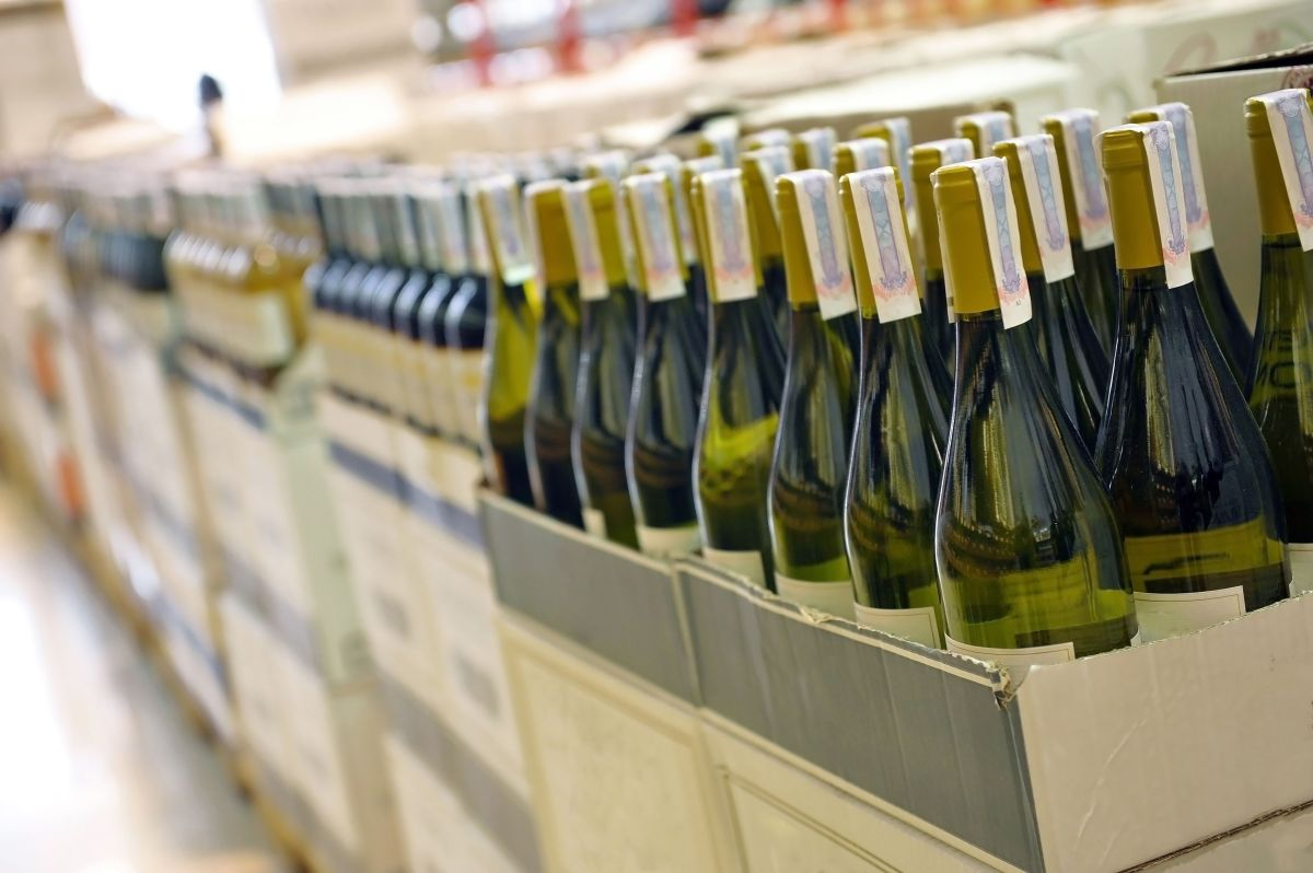 """""""35,000 cajas de vino en el almacén"""", los costos de unos aranceles que no cesan"""