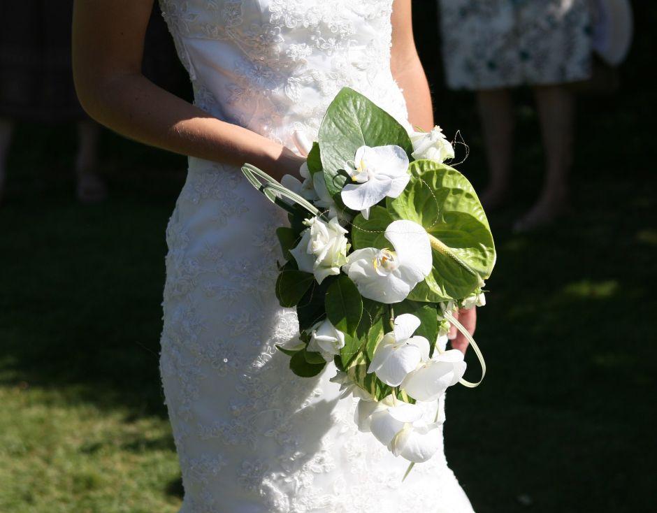 Elige usar en su boda el vestido de novia de su madre y sorprende a todos con su look