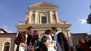 """San Valentín: la ciudad en la que nació el santo del amor busca pareja """"romántica"""" (o que comparta intereses)"""