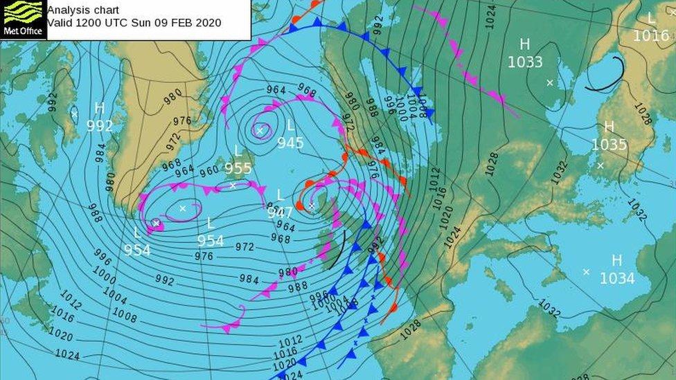 Las tormentas Ciaria y Dennis que azotaron a Reino Unido causaron enormes daños.