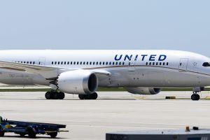 United Airlines ya no dará las galletitas favoritas en sus vuelos y clientes reclaman
