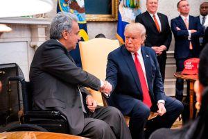 """Trump se reúne con el presidente de Ecuador y le ofrece ayuda para combatir a"""" los narcos"""""""