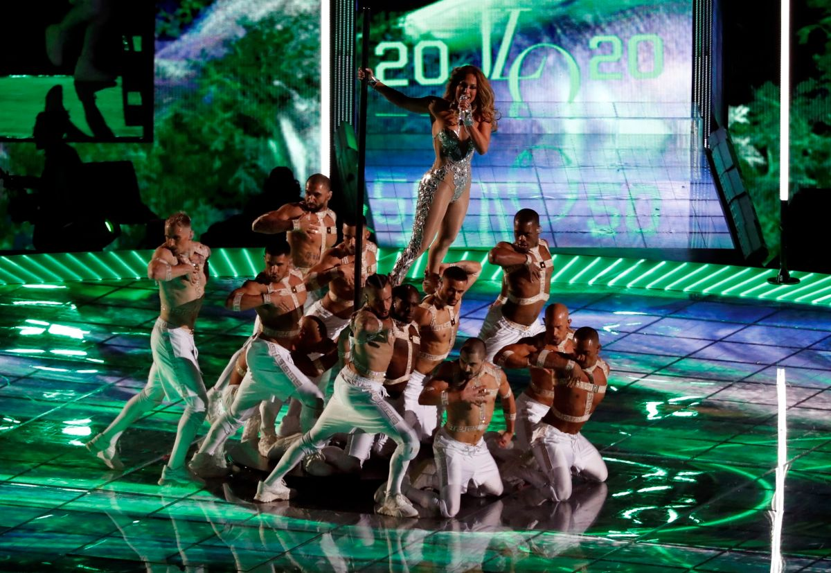 ¿Hubo menores enjaulados en la aplaudida actuación de JLo y Shakira en la Super Bowl?