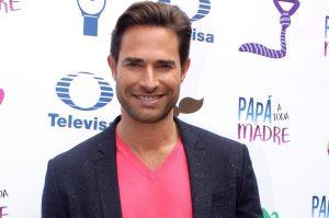 """Sebastián Rulli revela cómo lucía hace 23 años y Angelique Boyer reacciona: """"Hermoso"""""""