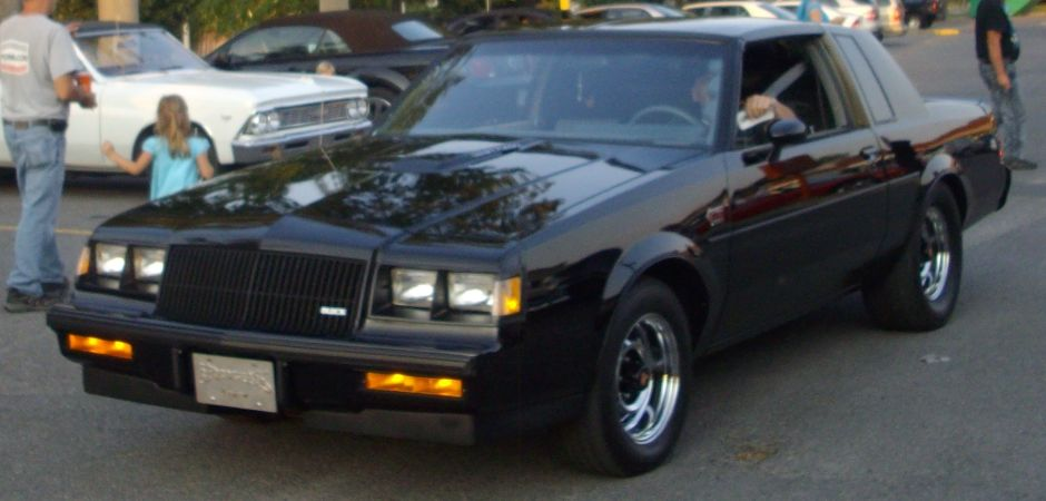Dos Buick Grand National 1987 fueron encontrados en un garage después de 30 años de abandono