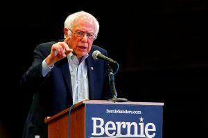 Por qué se pelearon Bernie Sanders y el gerente de Consumo de Amazon en Twitter