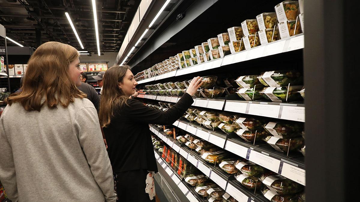 Aquí podrás encontrar prácticamente los mismos productos que las demás tiendas de comestibles.