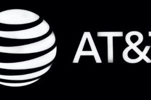 Miles de trabajadores de AT&T en Texas han aprobado una huelga en contra de la compañía