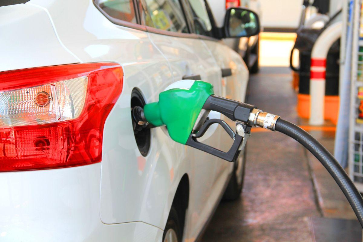Conoce por qué está subiendo el precio de la gasolina y de cuánto será esta alza