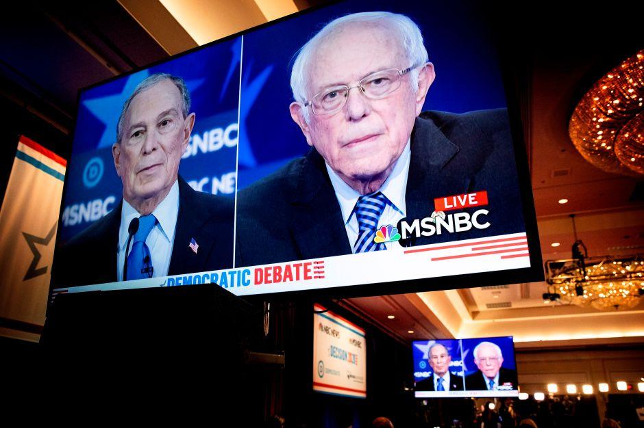 El multimillonario Mike Bloomberg endurece sus ataques al senador Bernie Sanders