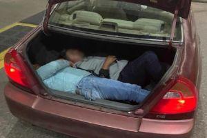Patrulla Fronteriza descubre a 13 inmigrantes escondidos en cuatro vehículos