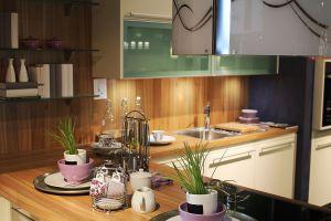 5 ideas para maximizar el espacio de tu cocina tomadas del movimiento de las casas pequeñas
