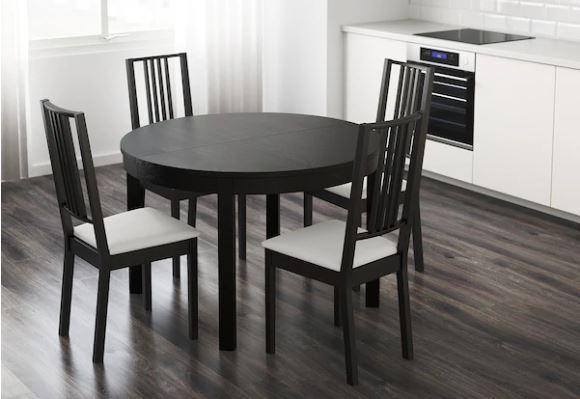 Comedor de Ikea con mesa Bjursta.