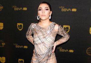 Olvidando el canto, Frida Sofía se muestra en bikini, ahora promocionando sus tips de belleza