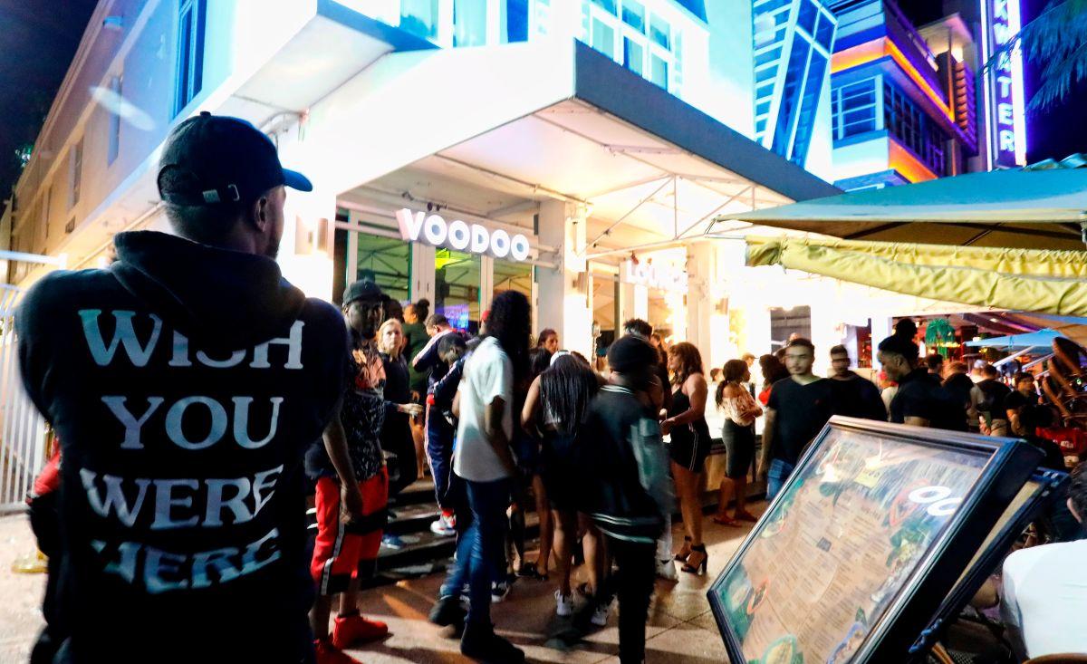 """Miami Beach limitará la venta de alcohol y obligará a los bares a cerrar antes durante el """"Spring Break"""""""