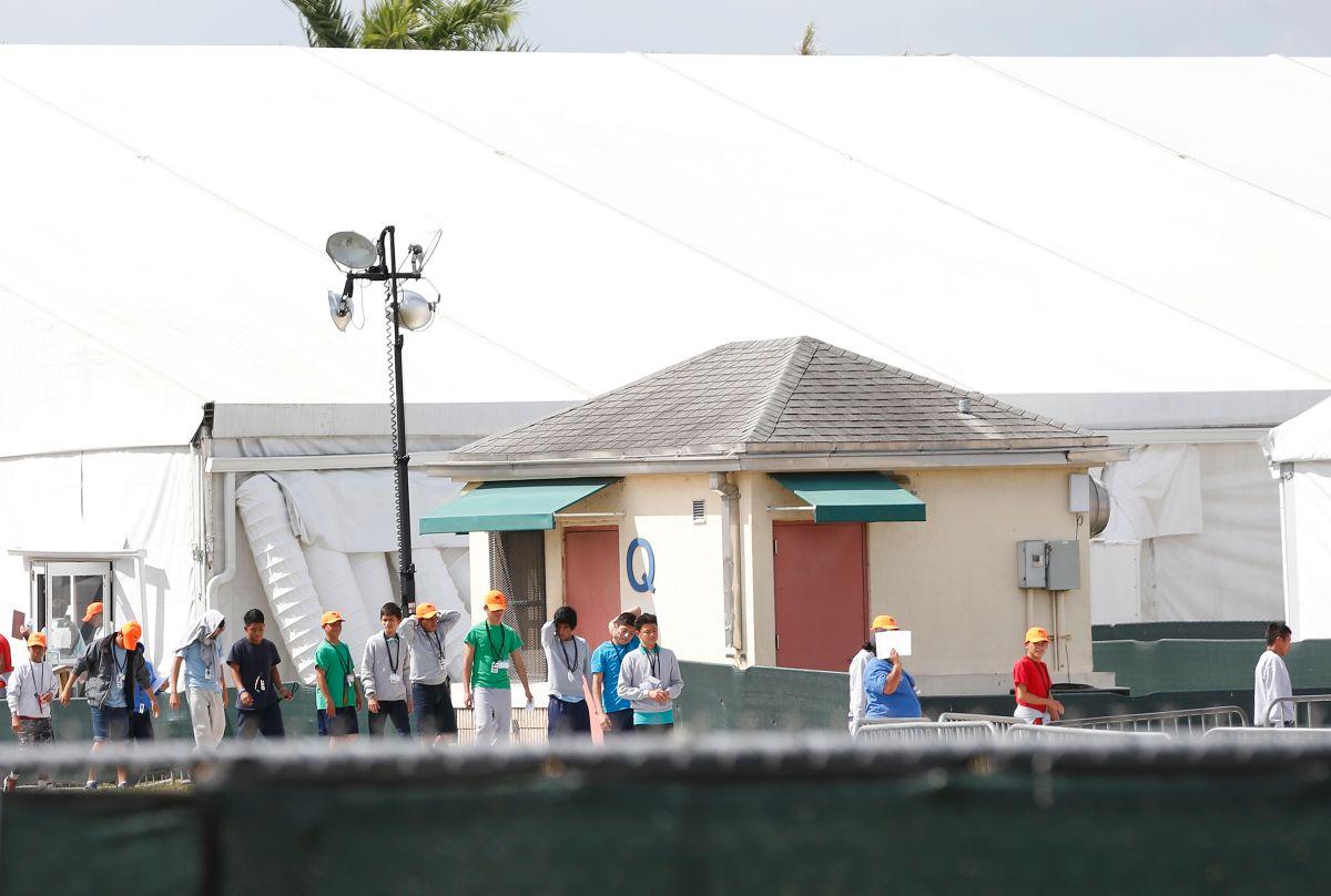 Revocan la visa a hombre que quería investigar el centro de detención de niños migrantes del sur de Florida