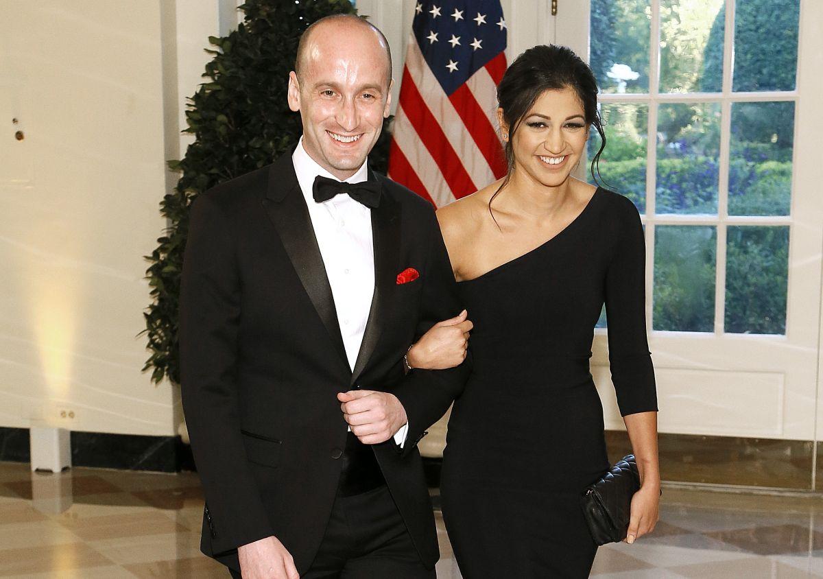 Stephen Miller y su esposa Katie Waldman.