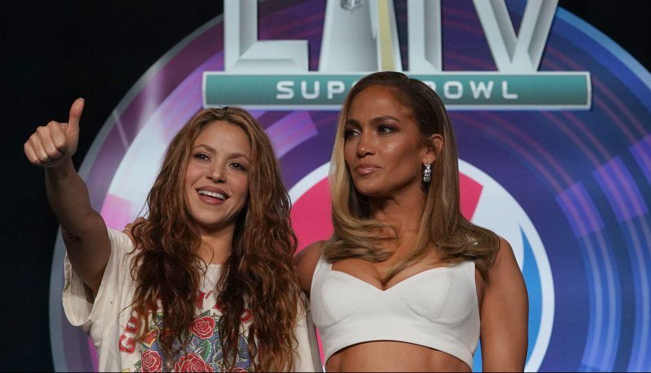 Shakira barrió a JLo durante el Super Bowl… en social media