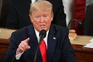 Trump vuelve a tachar a inmigrantes de criminales