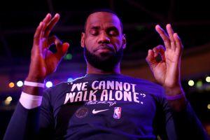 Un nuevo récord: pagaron casi $2 millones de dólares por una tarjeta coleccionable de LeBron James