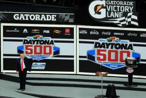 La espectacular llegada de Trump a las 500 millas de Daytona calienta motores para su reelección