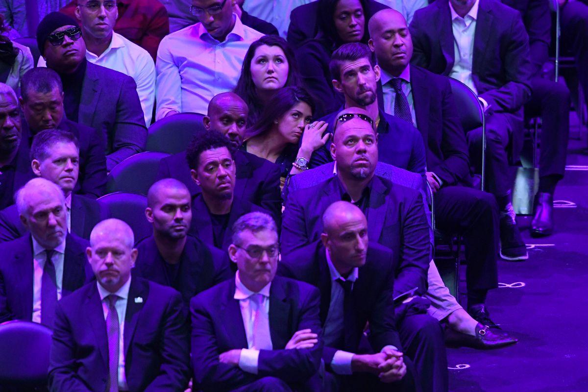 Nicole Johnson, Michael Phelps y Tony Parker estuvieron entre los asistentes al Staples Center.