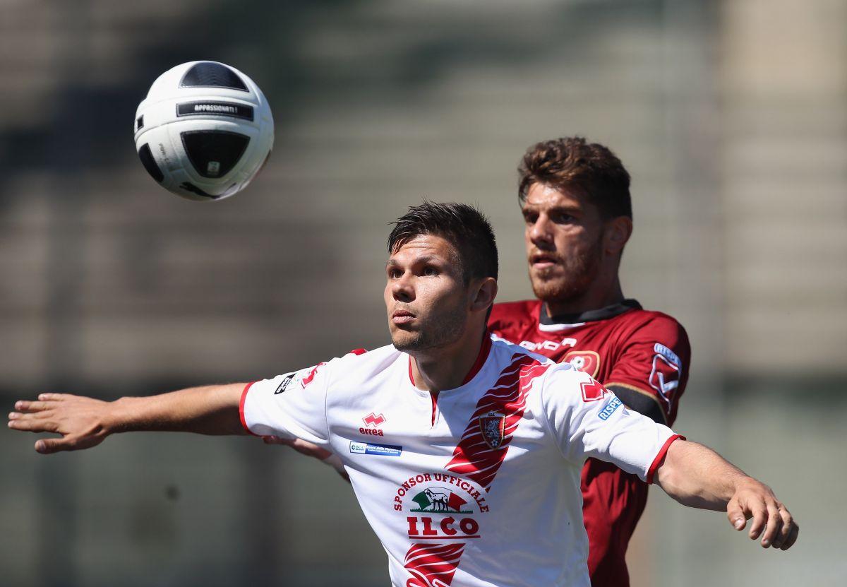Uno de los jugadores del equipo fue agredido por su estratega Lamberto Magrini.