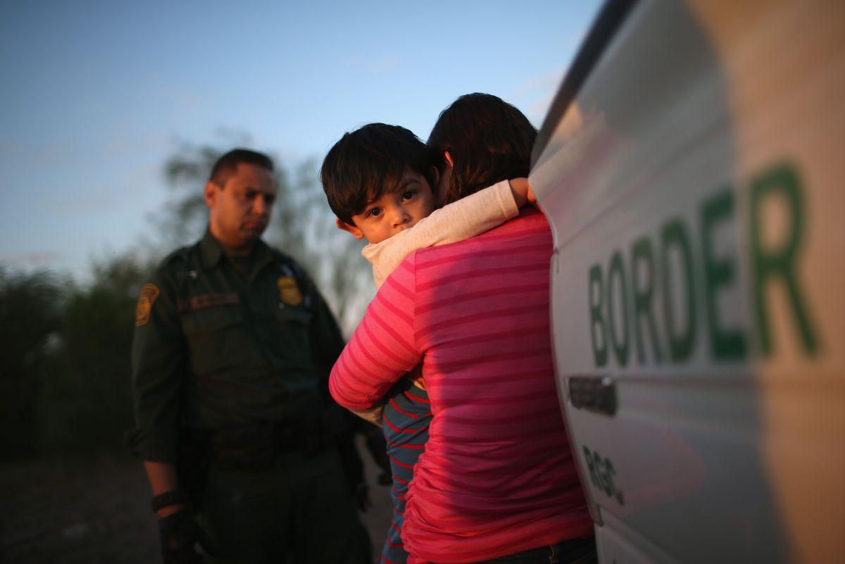 ICE tiene 10 días más para liberar a menores inmigrantes detenidos. El plazo vencía este 17 de julio