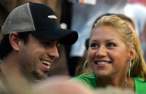Enrique Iglesias es pareja de una ex tenista rusa y es hermano de una marquesa