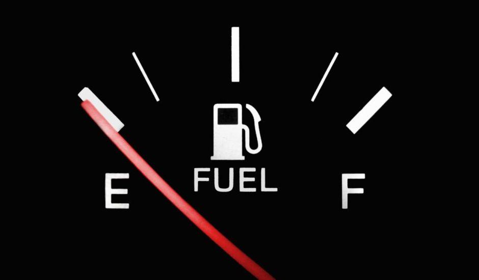 Por qué no debes dejar vacío el tanque de gasolina de tu auto