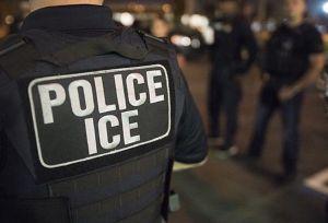 Tácticas engañosas de ICE para entrar a viviendas de inmigrantes sin récord criminal