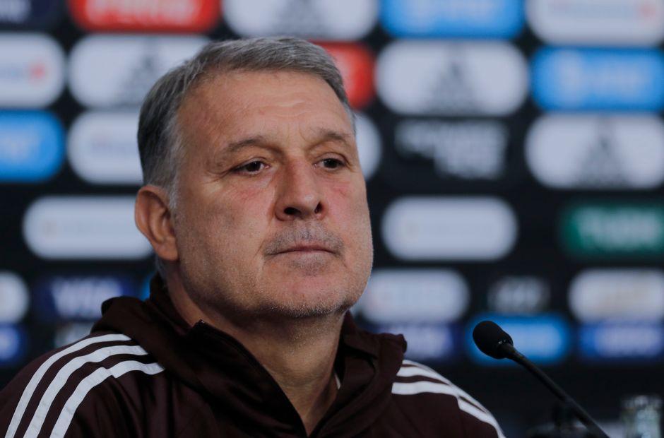 'Tata' Martino y Jaime Lozano se 'pelean' a los jugadores de Chivas para el Tri