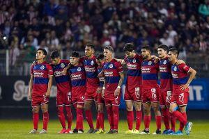 Chivas anuncia que uno de sus jugadores dio positivo por coronavirus