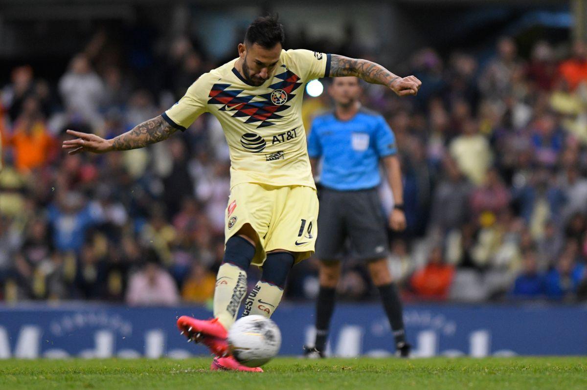 Emanuel Aguilera es un defensa inamovible en el América de Miguel Herrera.