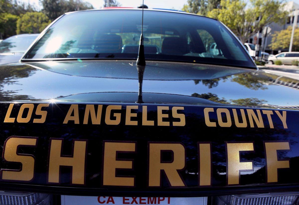 Más de organizaciones proinmigrantes demandan termine transferencia de inmigrantes del sheriff de Los Ángeles al ICE. (Ciro César/La Opinión)