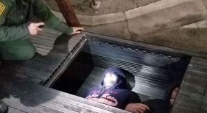 Texas: Descubren a 17 migrantes escondidos en un camión que cargaba sacos de cemento y ladrillos