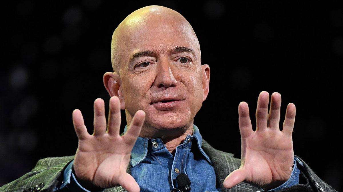 Cuánto gana por minuto Jeff Bezos, el hombre más rico del mundo