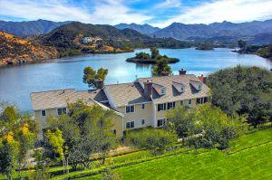 Cofundador de Guess Jeans vendió su mansión de villa italiana por $6.5 millones