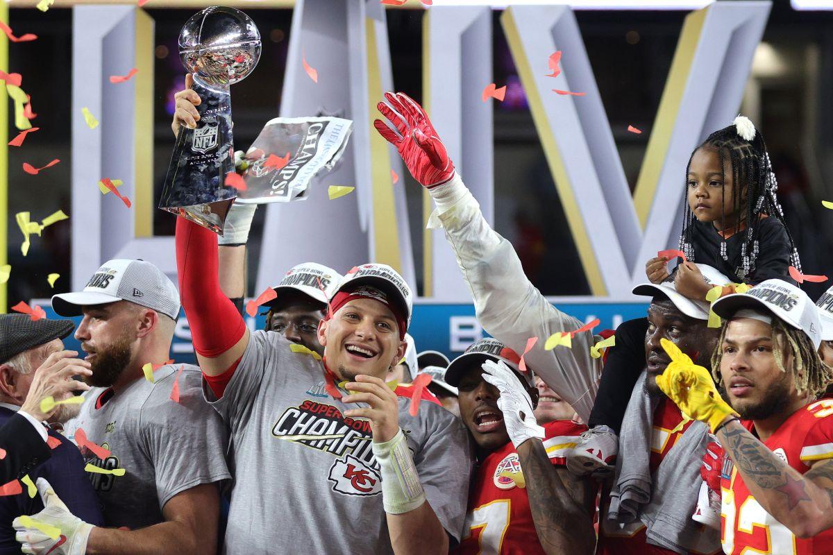 Patrick Mahomes guió a los Chiefs al triunfo en Miami.