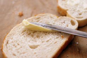 ¿Sabes de qué está hecha la margarina y qué tan saludable es?