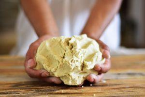 Como en la cocina de la abuela, ¿cómo preparar la masa de maíz nixtamalizada?