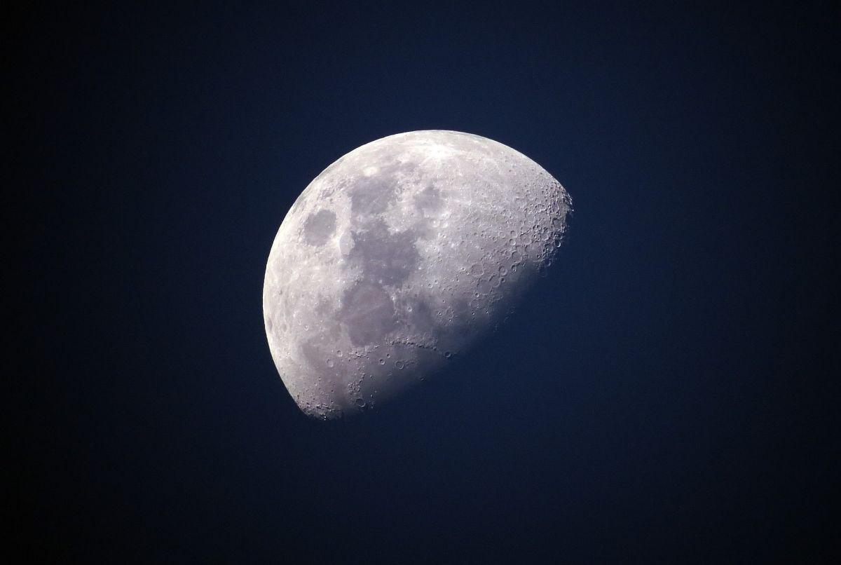 La Luna influye en tu cabello.