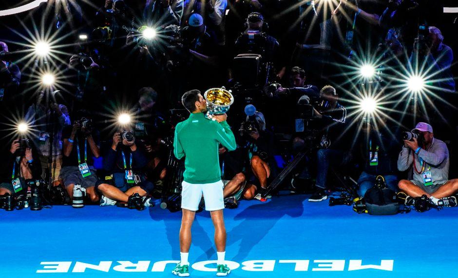 Djokovic, campeón del Abierto de Australia por octava vez; ganó su Grand Slam 17