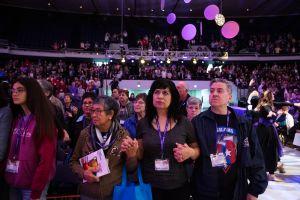 Congreso católico en Anaheim atrae a fieles de todo el mundo